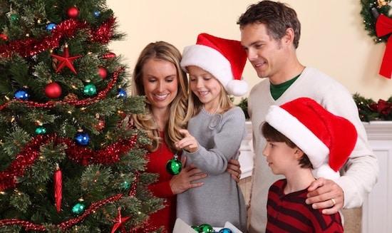 Sărbătoreşte Crăciunul acasă, alături de familie