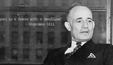 15 de citate de Napoleon Hill despre succesul financiar