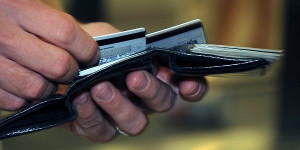 Cum sa te feresti de capcana creditelor pe card