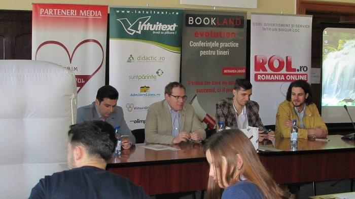 speakeri BookLand Brasov Laurentiu Mihai