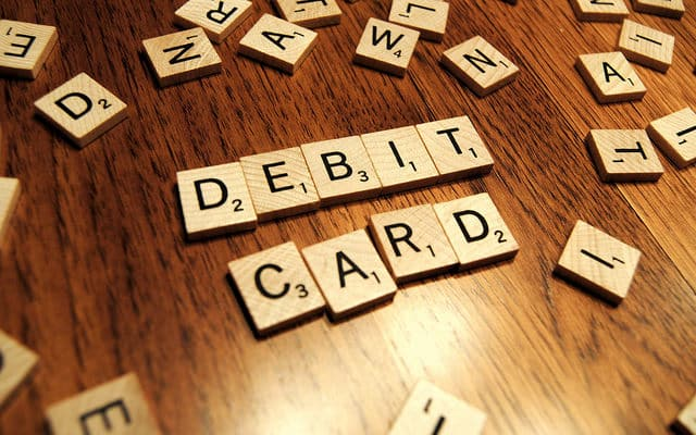 comisioane card debit
