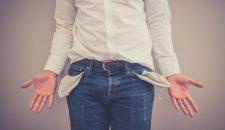 9 Motive pentru care te plangi mereu ca nu ai bani